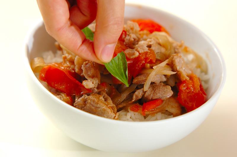 豚とトマトのバルサミコ炒め丼の作り方の手順3