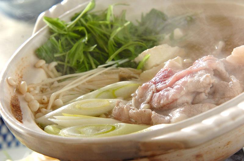 手作りポン酢とたっぷり薬味の豚しゃぶ鍋