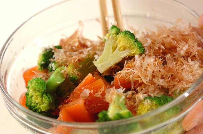 ブロッコリーとトマトのおかか和えの作り方の手順4