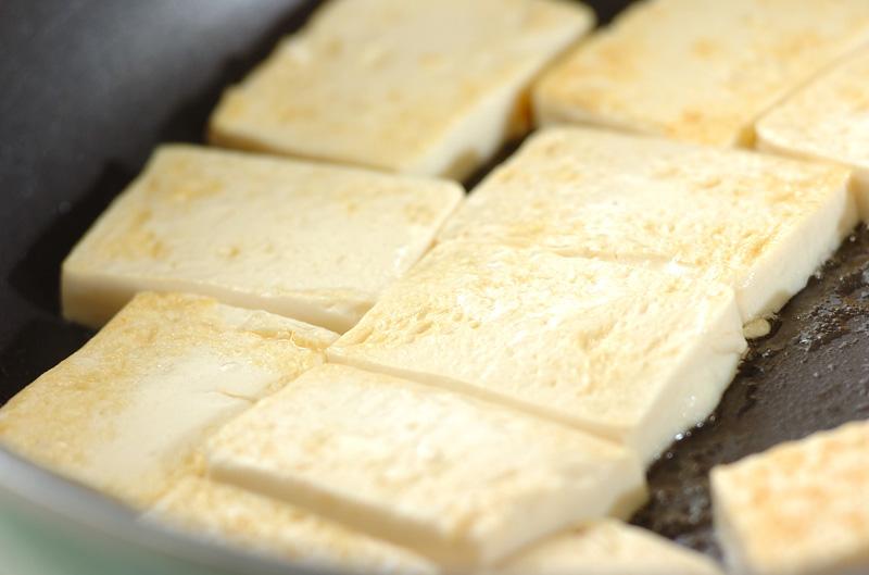 エビと豆腐のショウガ炒めの作り方の手順5