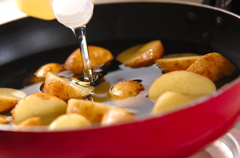 新ジャガの揚げ煮の作り方の手順3