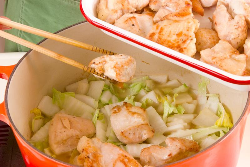 あっさりおいしい鶏むね肉と白菜のクリーム煮の作り方2