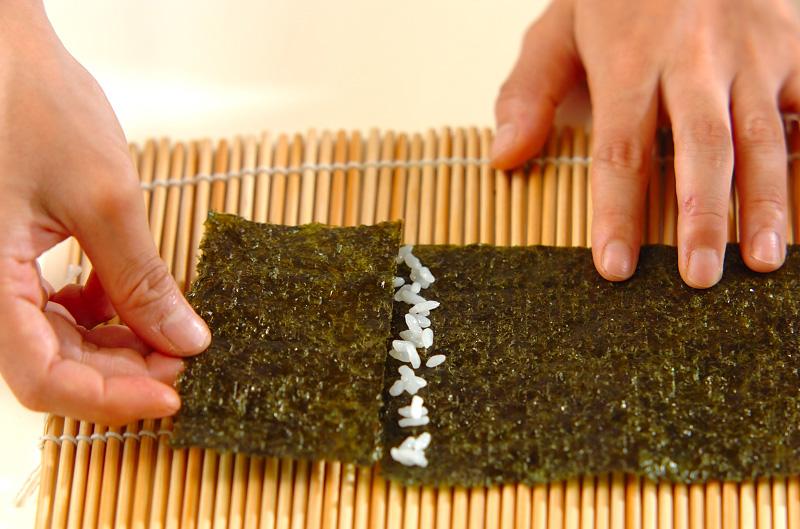 コアラちゃんデコ巻き寿司の作り方の手順3