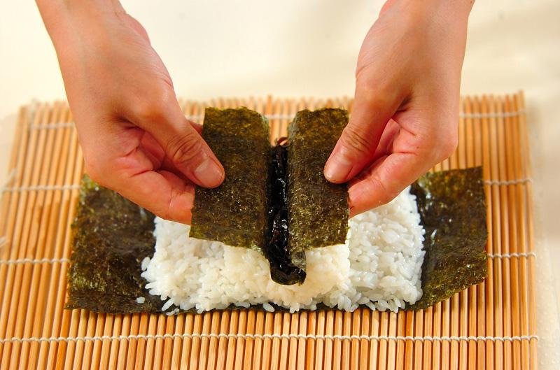 コアラちゃんデコ巻き寿司の作り方の手順7