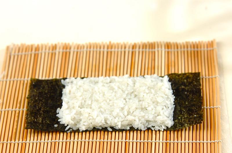 コアラちゃんデコ巻き寿司の作り方の手順4