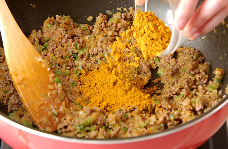 牛ひき肉のドライカレーの作り方5
