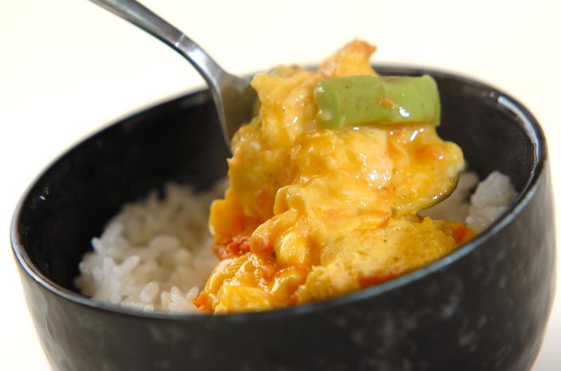 鮭アボカドの卵とじご飯の作り方の手順4