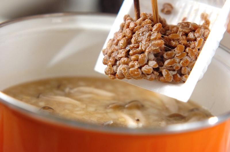 シメジ入り納豆汁の作り方の手順4