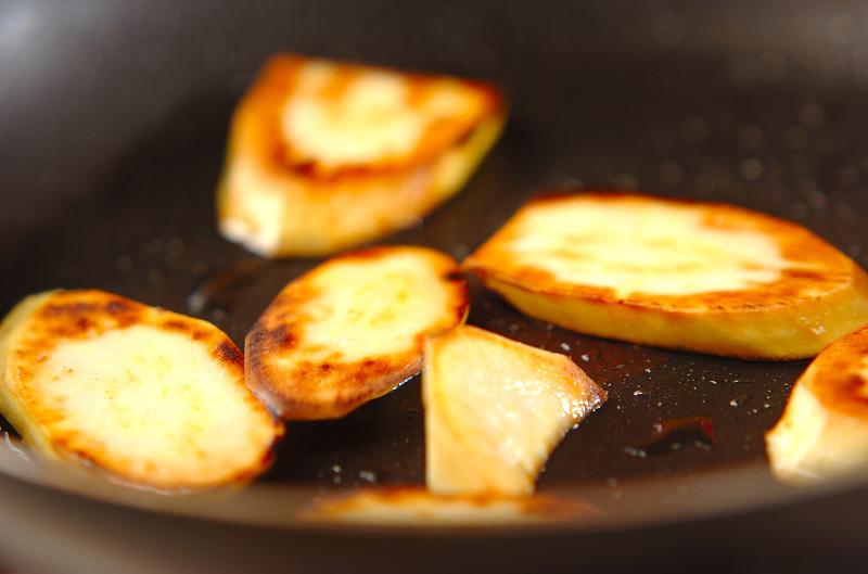 サツマイモの焼き肉タレ焼きの作り方の手順3