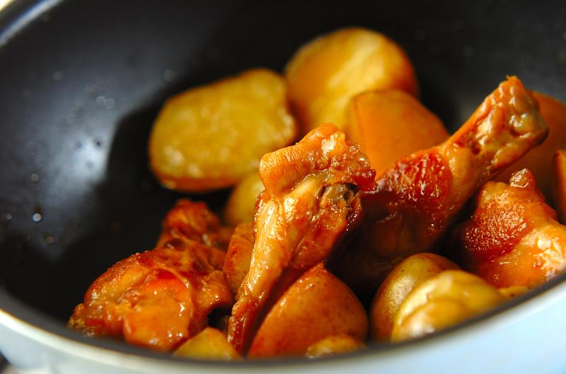 新ジャガと鶏手羽の煮物の作り方の手順5