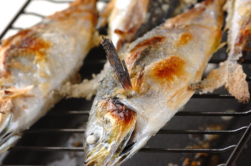 アジの塩焼きの作り方の手順6