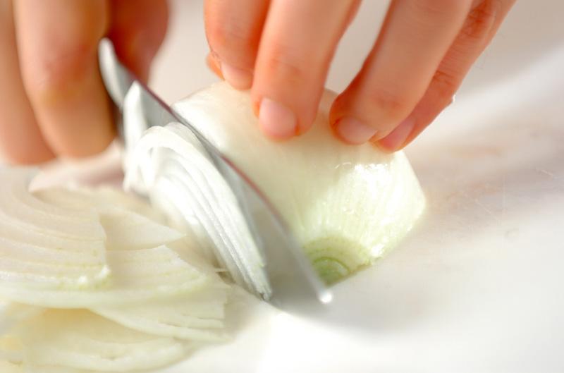新玉ネギのシャキシャキサラダの作り方の手順1