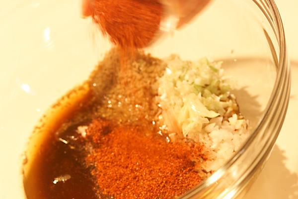 ハーブとタコのビビン冷麺の作り方の手順1