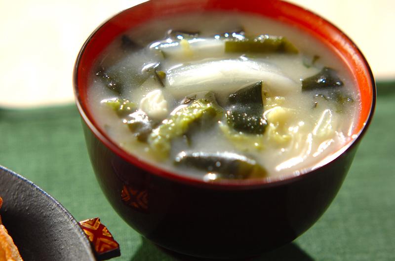 白菜の白みそ汁の作り方の手順