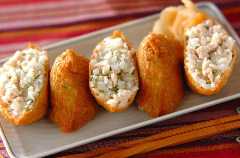 鶏そぼろ入りいなり寿司