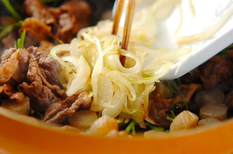 牛肉と板コンの炒め煮の作り方の手順3