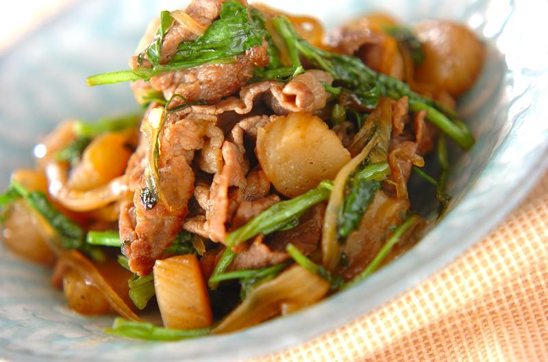 牛肉と板コンの炒め煮の作り方の手順
