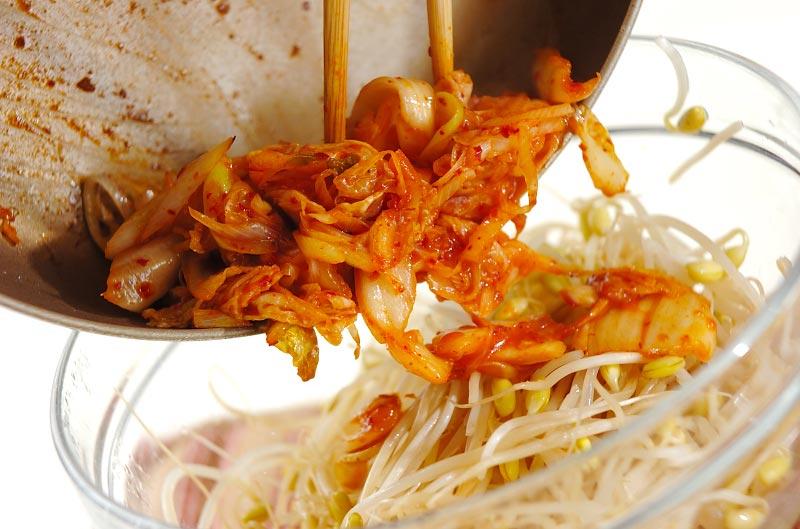 モヤシのキムチ炒め和えの作り方の手順4
