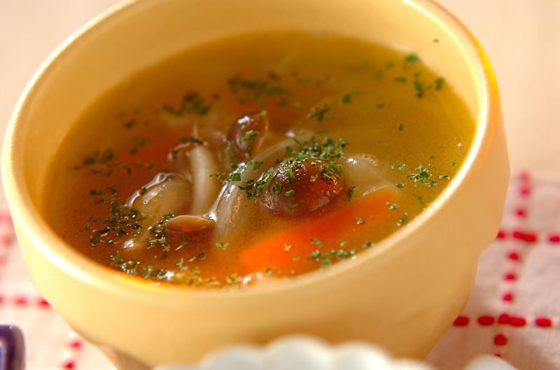 シメジのバタースープ