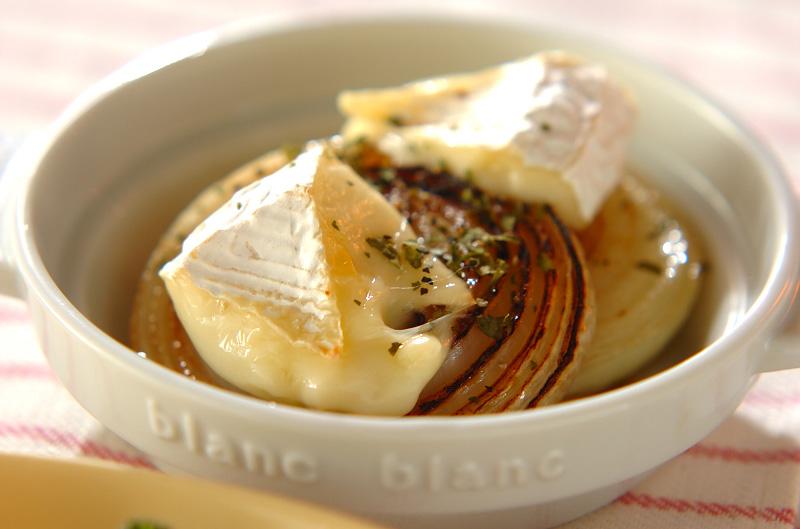 焼き玉ネギのカマンベールチーズのせの作り方の手順