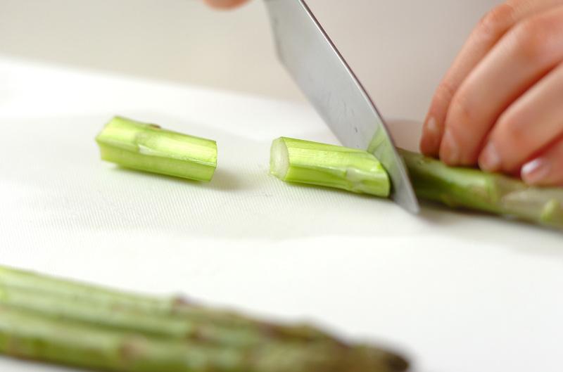 グリーンアスパラのみそ汁の作り方の手順1