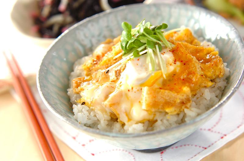 お揚げの卵とじ丼