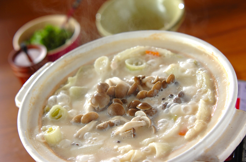 キャベツと白菜の野菜酒粕鍋