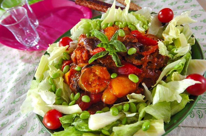 夏野菜のカレー煮込みサラダ仕立て