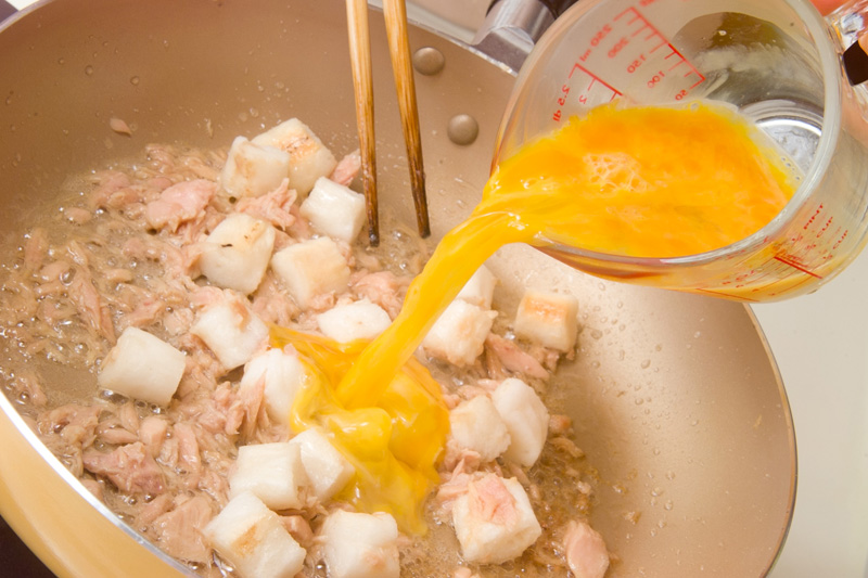 麩とツナの卵炒めの作り方の手順3