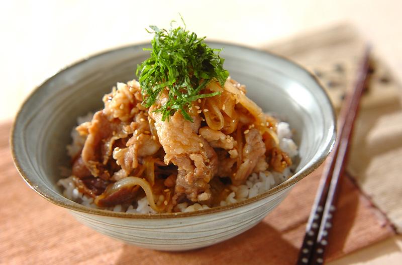 豚丼【E・レシピ】料理のプロが作る簡単レシピ/2010.09.23公開のレシピです。