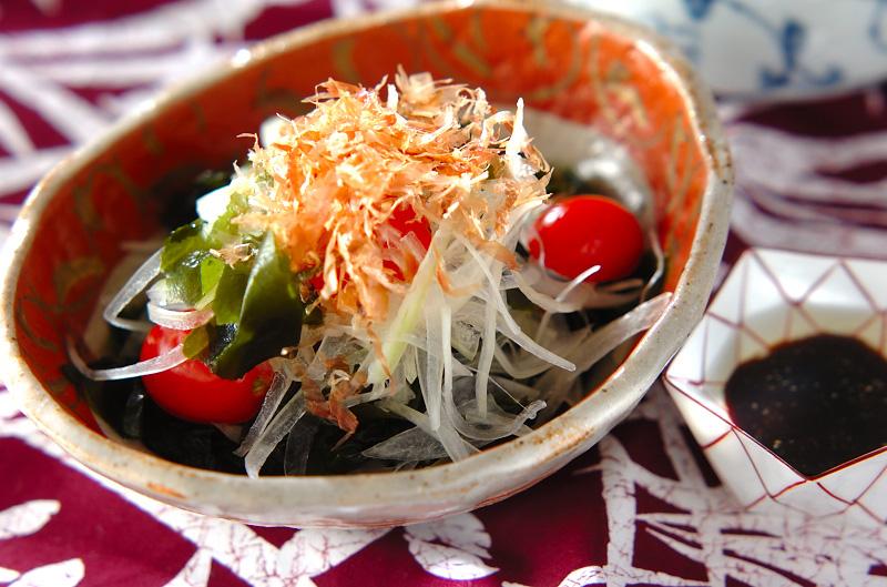 ワカメと玉ネギの和風サラダの作り方の手順
