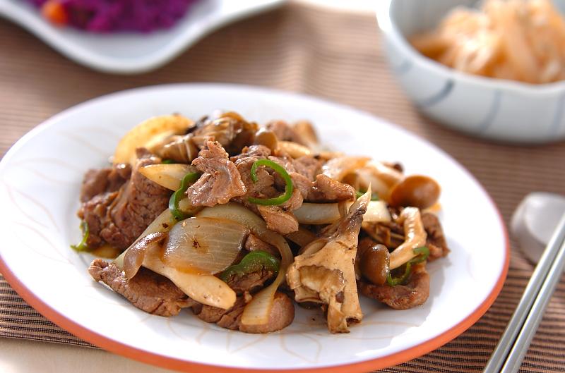 ラム肉とキノコの炒め物