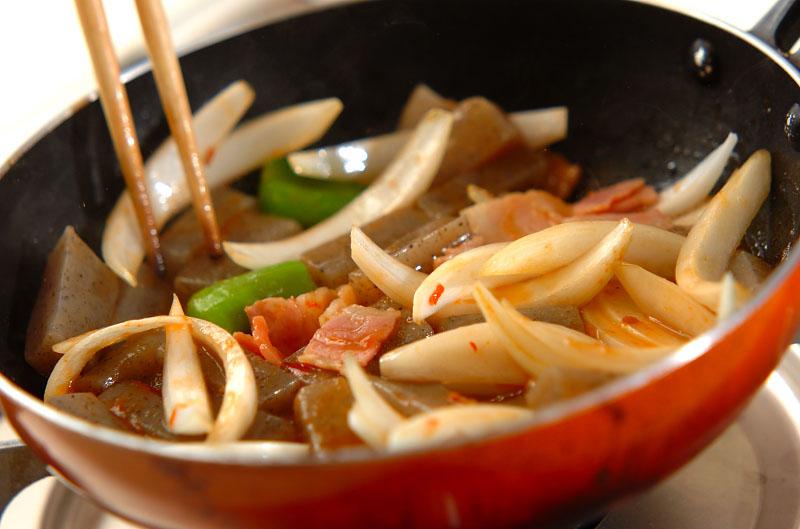 コンニャクのピリ辛炒めの作り方の手順7