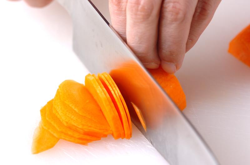 野菜たっぷり!サーモンのバターホイル焼きの下準備5
