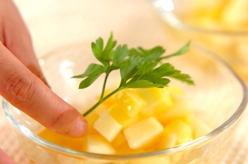 リンゴとマンゴーのマチェドニアの作り方の手順4