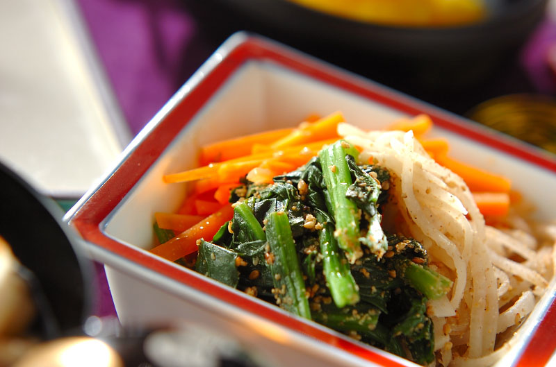 彩り野菜の和え物