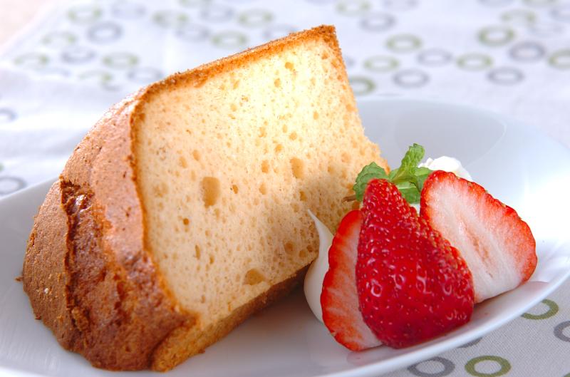 イチゴシフォンケーキ