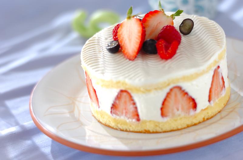 フロマージュブランとベリーのショートケーキ