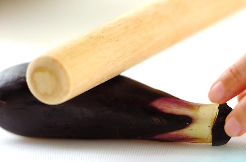焼きナスの赤だしの作り方の手順1
