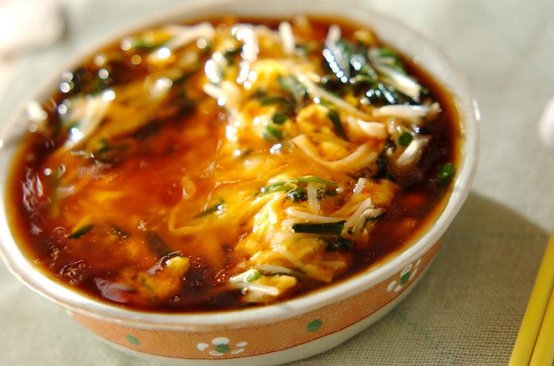 モヤシとニラの卵とじ丼【E・レシピ】料理のプロが作る簡単レシピ/2009.02.23公開のレシピです。