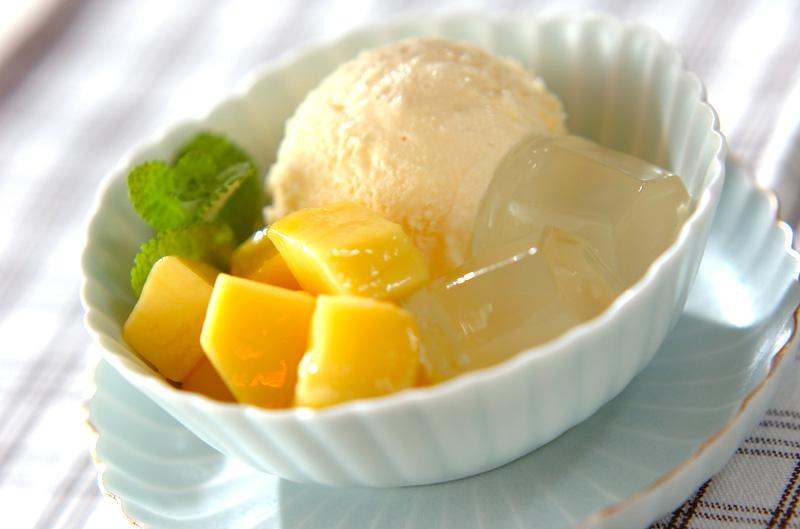 マンゴーのデザートの作り方の手順