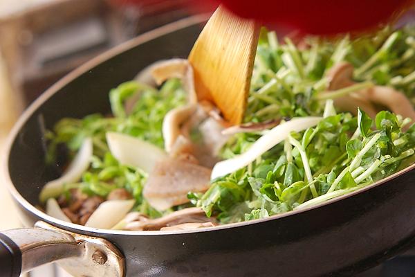 牛肉とキノコの炒め物の作り方の手順6