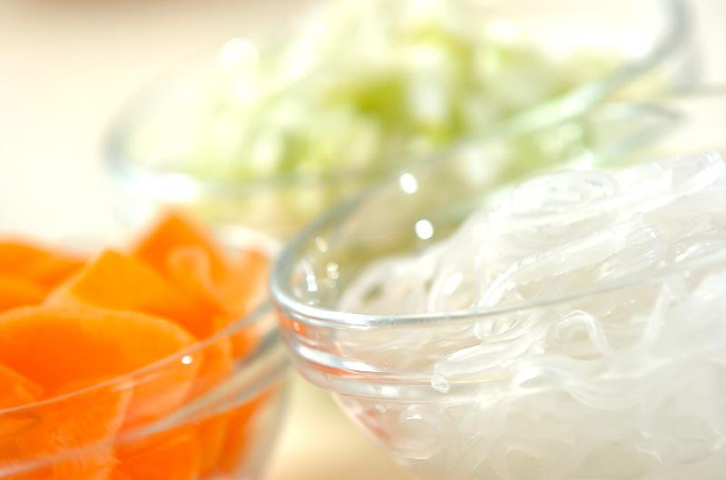 ひき肉と春雨のスープの下準備2