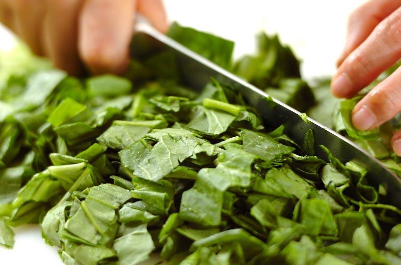 ホウレン草のグリーンチャーハンの作り方の手順1