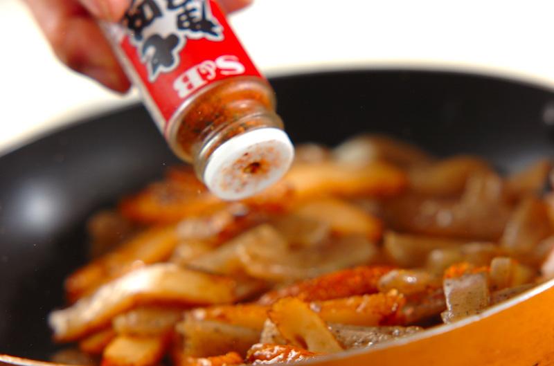 コンニャクとさつま揚げのきんぴら炒めの作り方の手順4