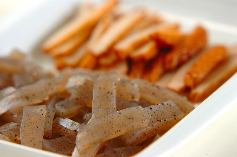 コンニャクとさつま揚げのきんぴら炒めの作り方の手順1