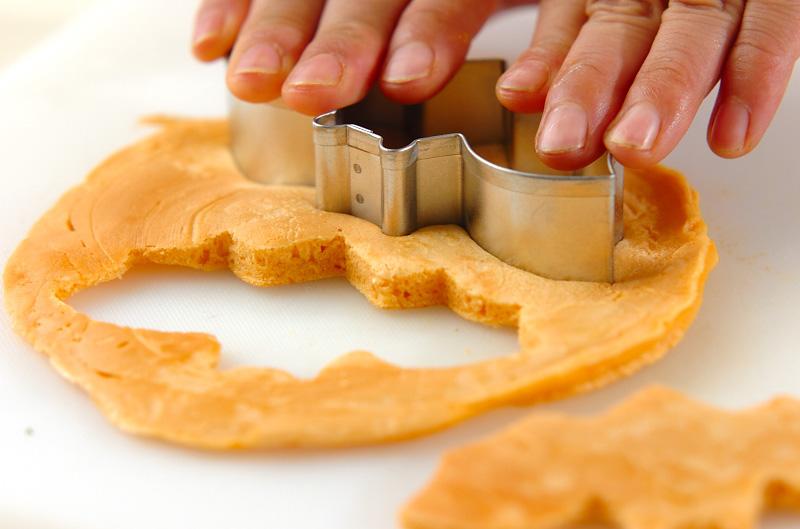 型抜きキャラメルパンケーキの作り方の手順4