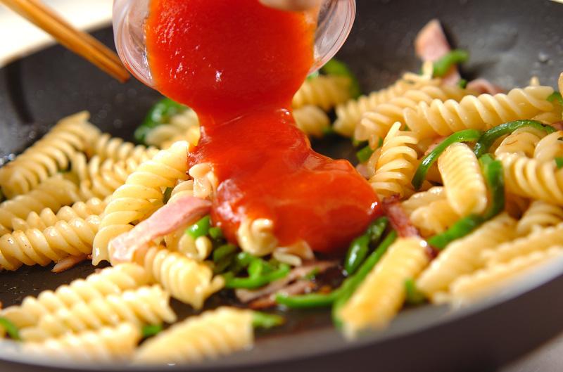マカロニのケチャップ炒めの作り方の手順5
