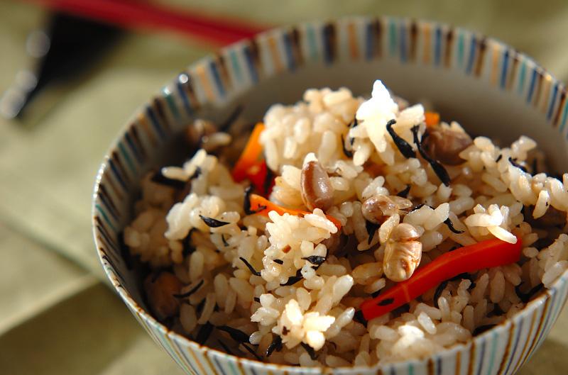 大豆とヒジキの炊き込みご飯