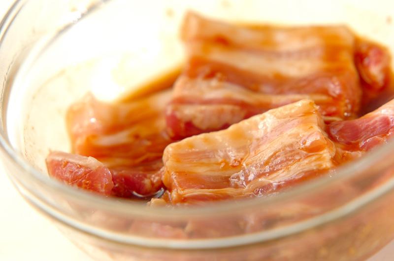 豚肉の梅ダレ焼き丼の作り方の手順1